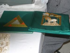 altar_green