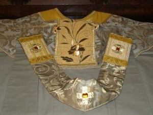 gold_vestment